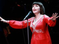 Мирей Матье может выступить в Москве в сентябре