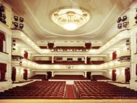 Московские театры продолжают сборы трупп