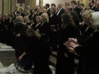 Московский синодальный хор впервые спел у святынь Бари