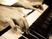 Пианисты-виртуозы устроили «Рок-н-ролл-шоу» на сцене Дома музыки