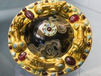 В Калининградский музей янтаря привезли золото сарматов