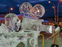 Вандалы испортили ледяные киношедевры в Костроме