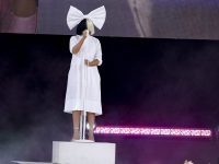 Певица Sia даст единственный концерт в России