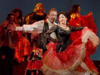 Театр «Ромэн» открыл юбилейный 85-й сезон