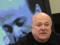Александр Калягин сравнил вторгающихся на выставки с авиадебоширами