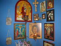 Как правильно оформить красный угол в доме, или несколько советов по созданию домашнего иконостаса