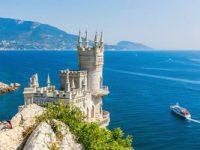Россияне хотят в Крым, а едут в Турцию
