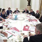 Владимир Путин обсудил с мультипликаторами перспективы развития отрасли