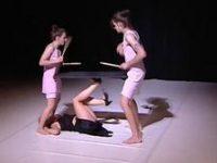 Театр из Эстонии привез на Чеховский фестиваль постановку «Укуси меня»