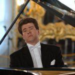 Денис Мацуев дал традиционный предновогодний концерт в Омске