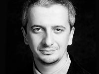 Константин Богомолов представляет в Афинах спектакль «Бесы»