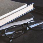 """Книги на март: """"Время свинга"""" Зэди Смит и новый роман Арундати Рой"""