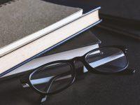 Книги на март: «Время свинга» Зэди Смит и новый роман Арундати Рой