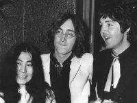 Вдова Джона Леннона приедет на открытие своей выставки в Москве
