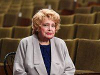 В МХАТ попросили вернуть Дорониной возможность влиять на политику театра