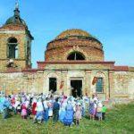 Волонтеры восстанавливают в Саратовской области храм XIX века