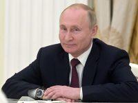 Путин поручил поддержать рублем молодых кинематографистов