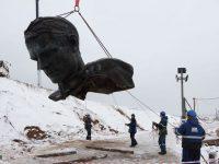 В Тверской области начали установку монумента Ржевскому солдату