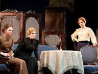 Во МХАТ восстановили спектакль Немировича-Данченко «Три сестры»