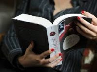 Самой популярной книгой о любви в России стала «50 оттенков серого»