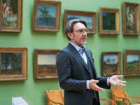 Онлайн-экскурсию Шнурова по Третьяковке посмотрели 700 тысяч человек