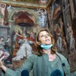 В Италии сняли комедию о самоизоляции Папы Римского и Елизаветы II