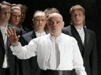 «Сатирикон» открыл новый сезон премьерой спектакля «Плутни Скапена»
