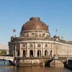 Множество произведений искусства в нескольких Берлинских музеях повреждены вандалами
