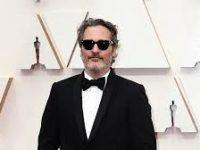 Хоакин Феникс снимется у режиссера, создавшего «Солнцестояние»