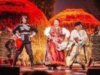 Спектакль к юбилею «Русской песни» Бабкиной поставят Сигалова и Васильев