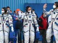 Россия отправила в космос первый «киноэкипаж»